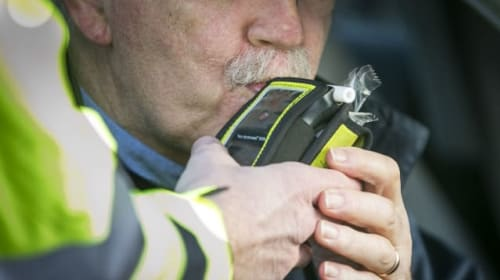 UK population backs EU plans to fit breathalyser tech to all new cars