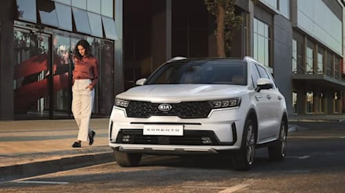 First images of Kia Sorento SUV show a new premium approach