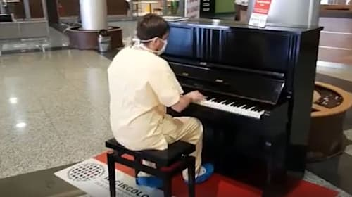 Doctor praised for rousing piano performance at end of coronavirus shift