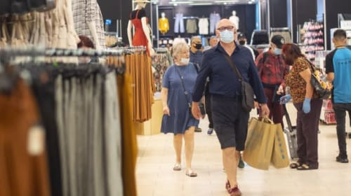 Face coverings should not be mandatory in shops, says Cabinet minister