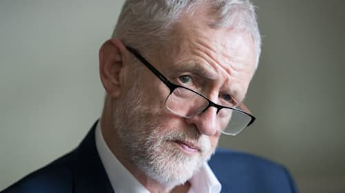 Shadow cabinet to discuss anti-Semitism as poll shows fall in support for Corbyn