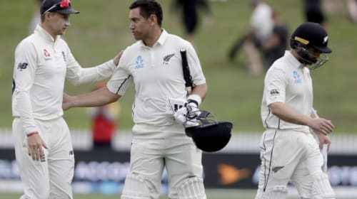 What happened on day four of the second Test between New Zealand and England?