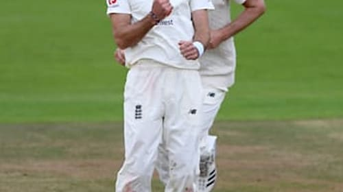 Sri Lanka v England Day One: Anderson and Mathews vie for control in Galle