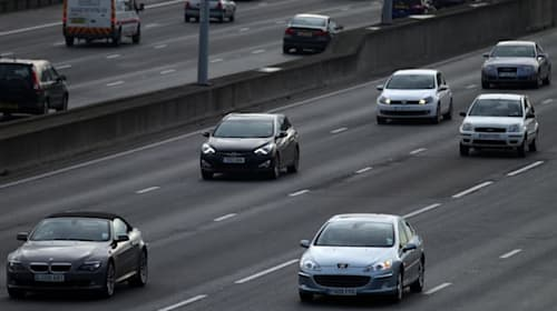 Drivers call for action on auto-renewal car insurance