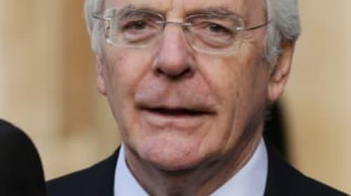 Sir John Major backs ex-Tory ministers running against Conservatives