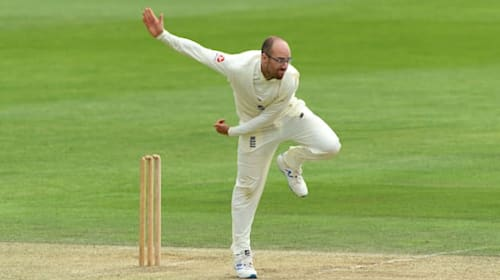 England chasing 164 to beat Sri Lanka after Jack Leach and Dom Bess dominate