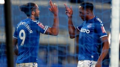 Dominic Calvert-Lewin makes his mark as Everton ease past Sheffield Wednesday