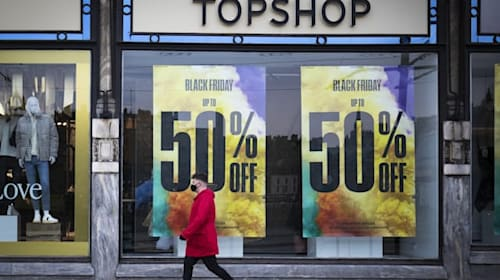 Collapsed Arcadia empire limits gift cards to half the purchase price