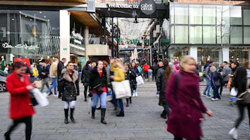 Hammerson secures £362m from Paris shopping complex sale