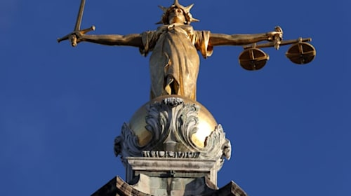 Solicitors' leaders warn court hearings may need to be paused