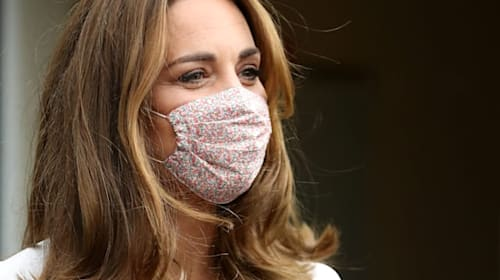 Kate wears face mask for first time during charity visit