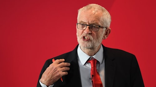 Corbyn government would 'crucify' the economy, says pub group boss