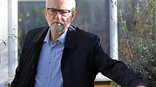 Jeremy Corbyn apologises for Labour's election 'body blow'
