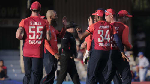 England restrict South Africa to 177 in opening T20
