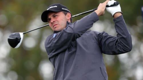Golfers carry on despite coronavirus pandemic decimating sport