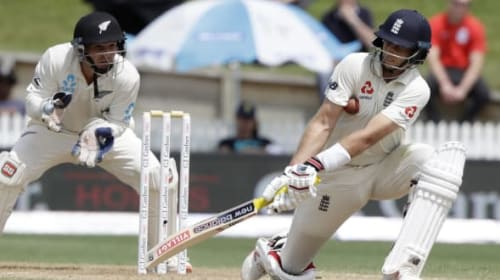 Root notches up third double hundred to give England lead over New Zealand
