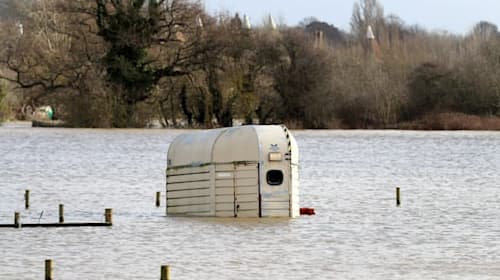 Government announces financial support for flood-hit communities