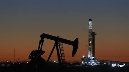 FTSE 100 dragged lower by plunge in oil prices