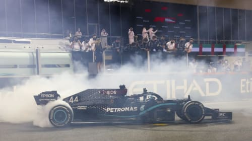 Lewis Hamilton wants his Formula One future resolved by Christmas