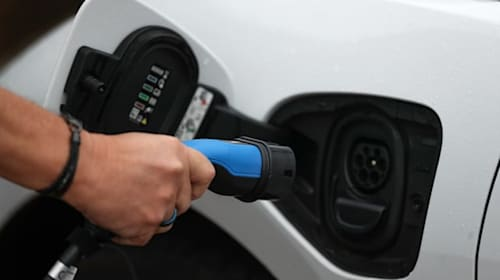 Four in five drivers say electric cars are too expensive – survey