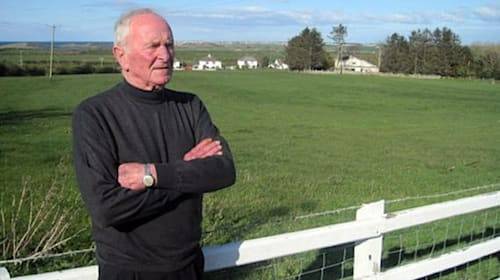 Former Manchester United and Northern Ireland goalkeeper Harry Gregg dies