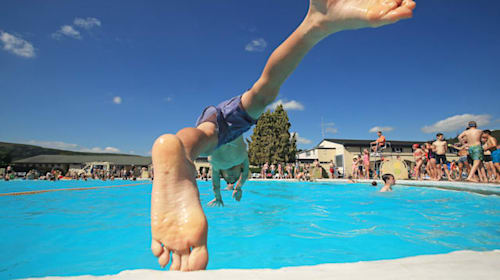 In Pictures: Cooling down as temperatures edge up