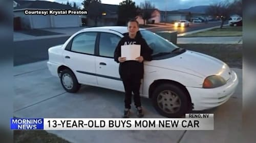 13歳の少年がシングルマザーの母親に車をプレゼント!