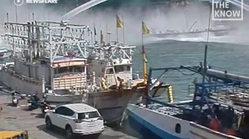 台湾で突如140メートルの橋が崩落【映像】