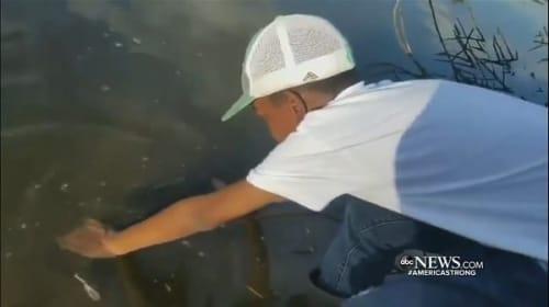 自己最高サイズの魚を釣った少年の心優しい行動に賞賛の声