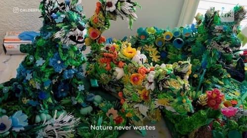 ごみを再利用して動物アートを生み出すアーティスト【映像】