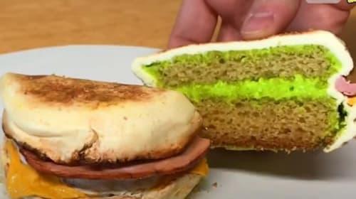 本物そっくり!エッグマックマフィンを再現したケーキが話題に【映像】