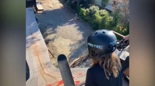 12歳の女子プロスケーターが、高さ約30メートルのメガランプに挑戦!【映像】