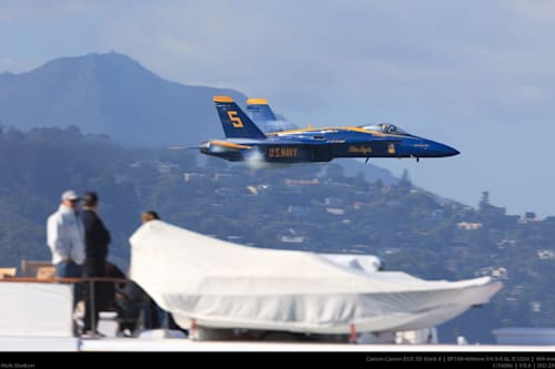 Man captures unbelievable photo of Blue Angel fighter jet buzzing