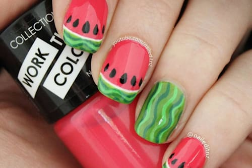 This is what happened to a blogger after wearing acrylic nails for 6