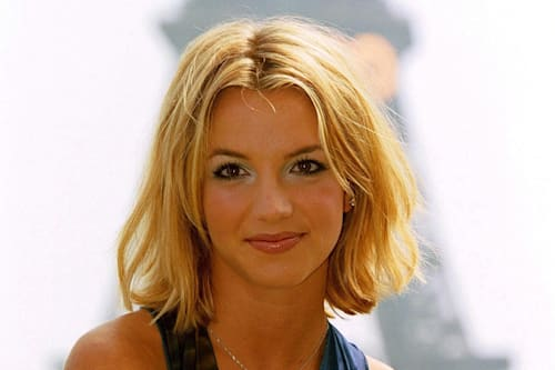 Britney Spears Hair Evolution All Her Looks From Bleach Blonde Highlights To Dark Brown Wigs Aol Entertainment