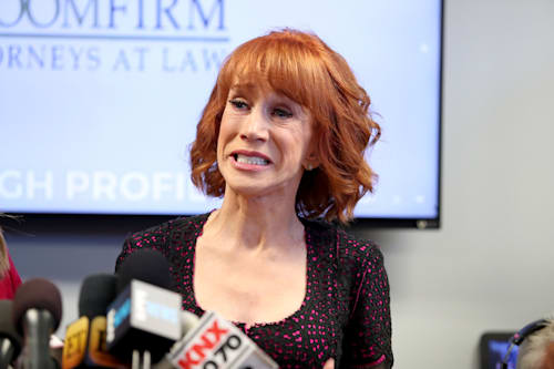 Kathy Griffin Debuts Short Hairdo After Shaving Her Head Aol Entertainment