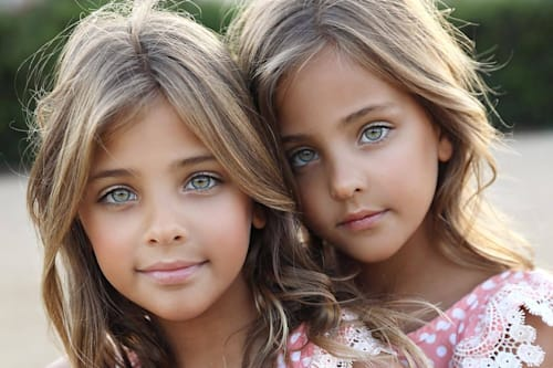 most beautiful twins in the world