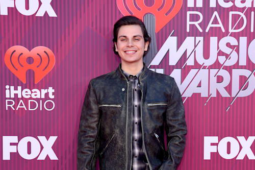 iHeartRadio Awards 2019: See what all the stars wore! - AOL