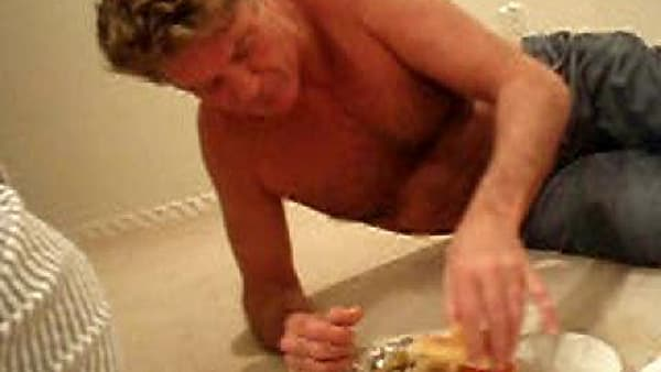 David Hasselhoff Drunk Eats A Burger Aolcom