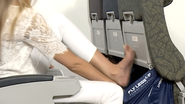 This gadget transforms airplane seats into a comfortable hammock