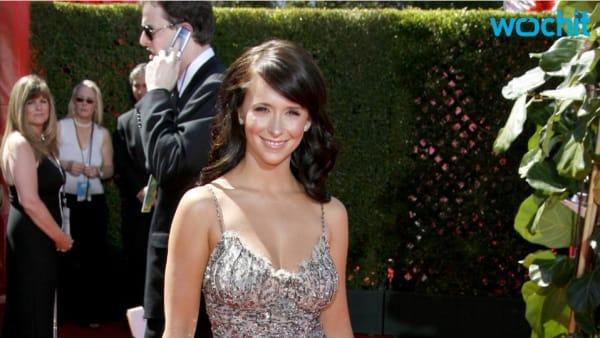 Pregnant Jennifer Love Hewitt stuns in blue dress for