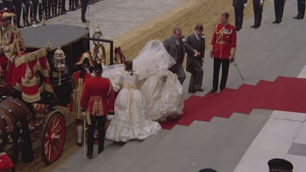 'The Crown' Season 4: Charles and Diana's Royal Wedding ...