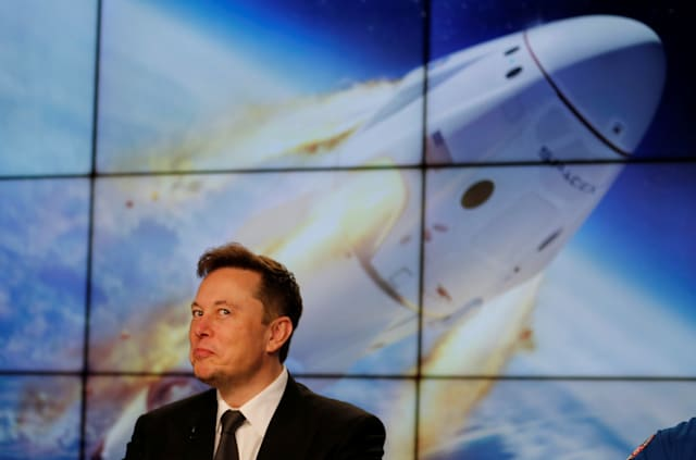 SpaceX founder and chief engineer Elon Musk reacts during a post-launch news conference to discuss the SpaceX Crew Dragon astronaut capsule in-flight abort test at the Kennedy Space Center in Cape Canaveral, Florida, U.S. January 19, 2020. REUTERS/Joe Skipper     TPX IMAGES OF THE DAY
