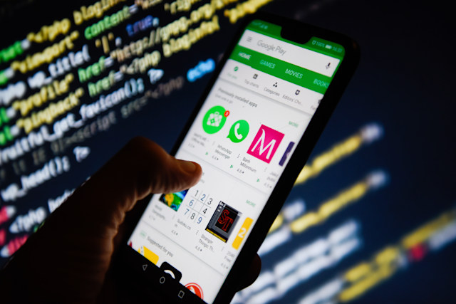 KRAKOW, POLAND - 2018/11/27: Google Play Store app is seen on an android mobile phone. (Photo by Omar Marques/SOPA Images/LightRocket via Getty Images)