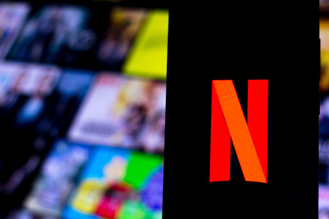 BRAZIL - 2020/04/05: In this photo illustration a Netflix logo seen displayed on a smartphone. (Photo by Rafael Henrique/SOPA Images/LightRocket via Getty Images)