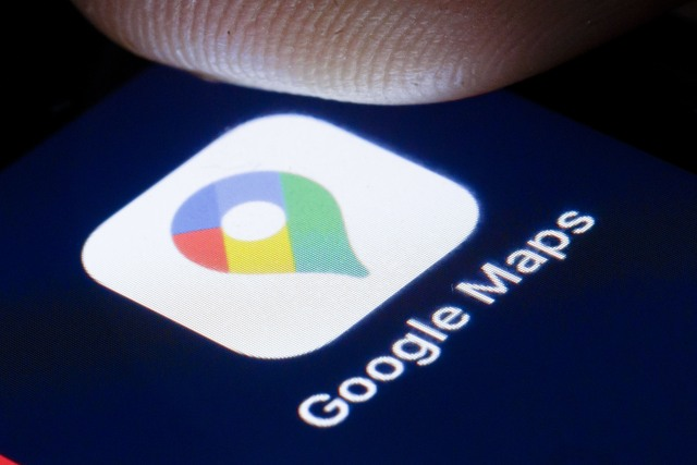 BERLIN, GERMANY - APRIL 22: The logo of the online map service Goolge Maps is shown on the display of a smartphone on April 22, 2020 in Berlin, Germany. (Photo by Thomas Trutschel/Photothek via Getty Images)