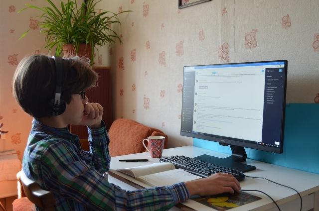 KYIV, UKRAINE - APRIL 21, 2020 - Boy studies at the PC under the remote learning programme of the All-Ukrainian E-School during the quarantine, Kyiv, capital of Ukraine.- PHOTOGRAPH BY Ukrinform / Barcroft Studios / Future Publishing (Photo credit should read Yevhen Kotenko/ Ukrinform/Barcroft Media via Getty Images)
