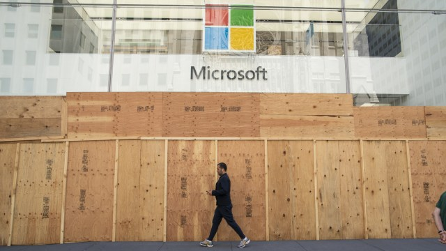 NEW YORK, NEW YORK - JUNE 08: A Microsoft store is boarded up on June 08, 2020 in New York City. The city began the first phase of reopening after nearly three months of being shutdown due to the coronavirus (COVID-19) pandemic. Protests continue over the abuse of African Americans by the Police. (Photo by Kena Betancur/VIEWpress via Getty Images)