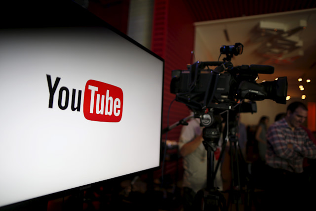 YouTube unveils their new paid subscription service at the YouTube Space LA in Playa Del Rey, Los Angeles, California, United States October 21, 2015. Alphabet Inc's YouTube will launch a $10-a-month subscription option in the United States on October 28 that will allow viewers to watch videos from across the site without interruption from advertisements, the company said on Wednesday.  REUTERS/Lucy Nicholson