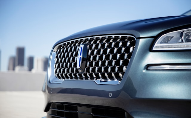Lincoln Corsair grille